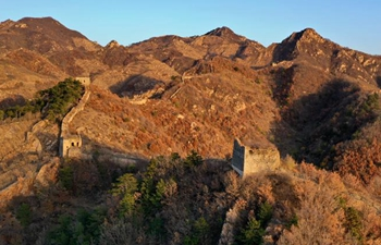 Winter scenery at Great Wall in N China's Hebei