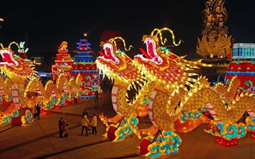 Lantern show held to celebtate coming Spring Festival in Tangshan