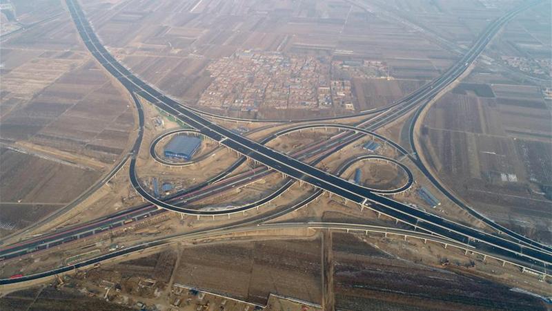 北京大兴国际机场北线高速公路廊坊段主体完工