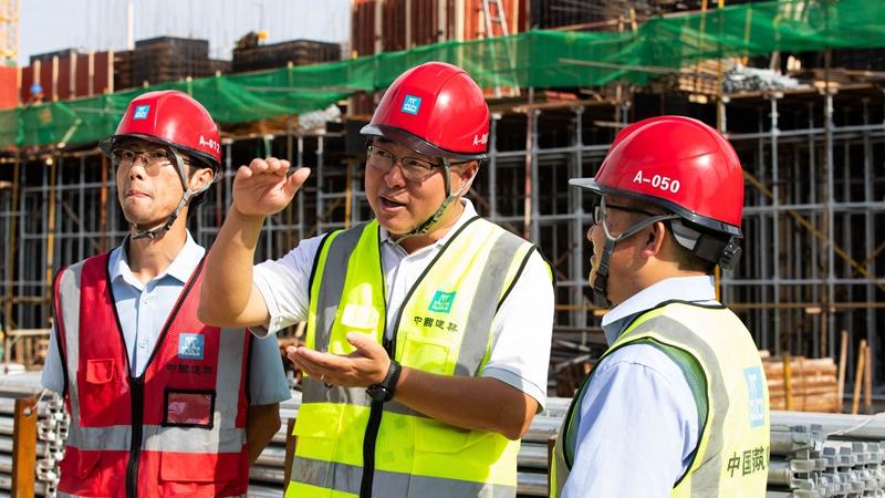 全国五一劳动奖章获得者张涛:保质保量完成项目建设