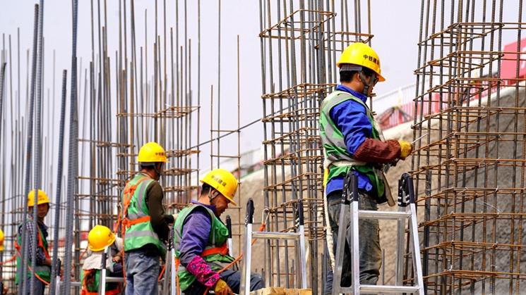 聚焦雄安丨容西片区安置房项目C3标段塔吊林立