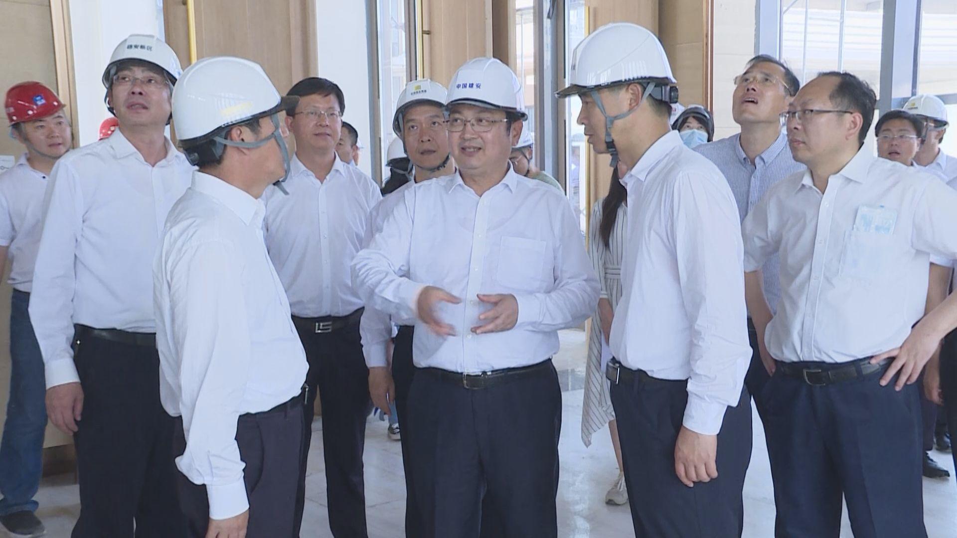 时政播报丨张国华调研启动区项目建设