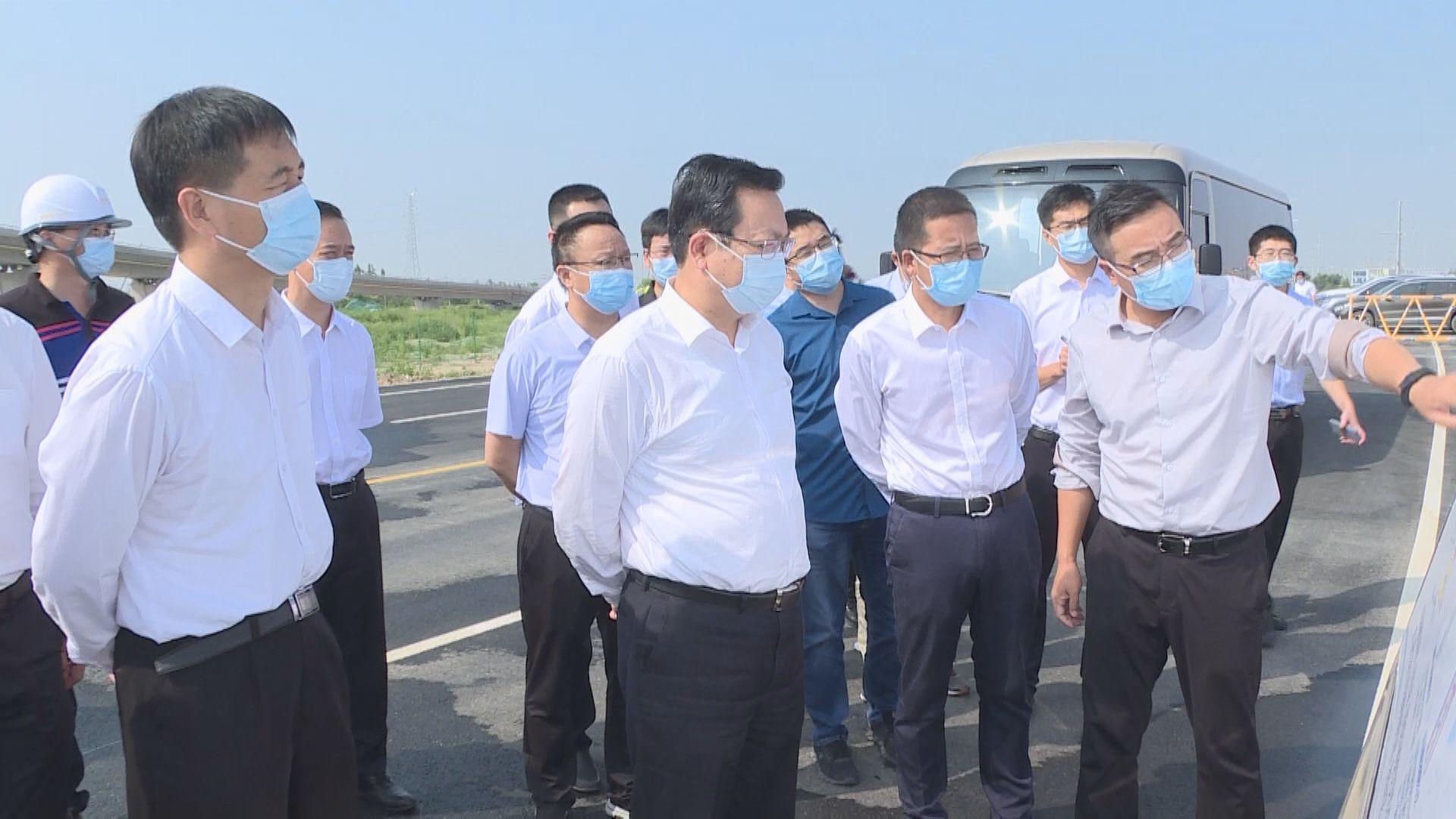时政播报丨张国华调研新区道路体系建设情况