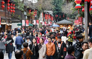 China's tourism revenue posts double-digit growth during holiday