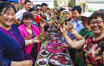 Residents make Zongzi to greet Dragon Boat Festival in China's Hebei