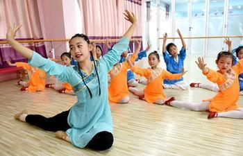 Children take part in various activities during summer vacation in China's Hebei