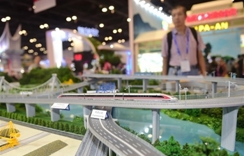 High-tech exhibits attract visitors at 15th China-ASEAN Expo
