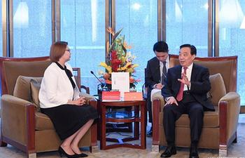 Chinese senior official meets foreign guests